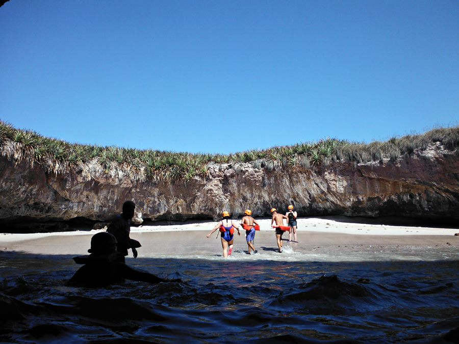 playa escondida en islas marietas
